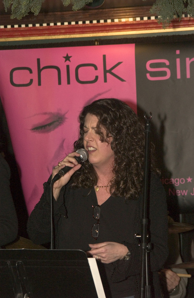 Milwaukee director, Alaria Taylor, belts out &quot;Before He Cheats&quot;.
