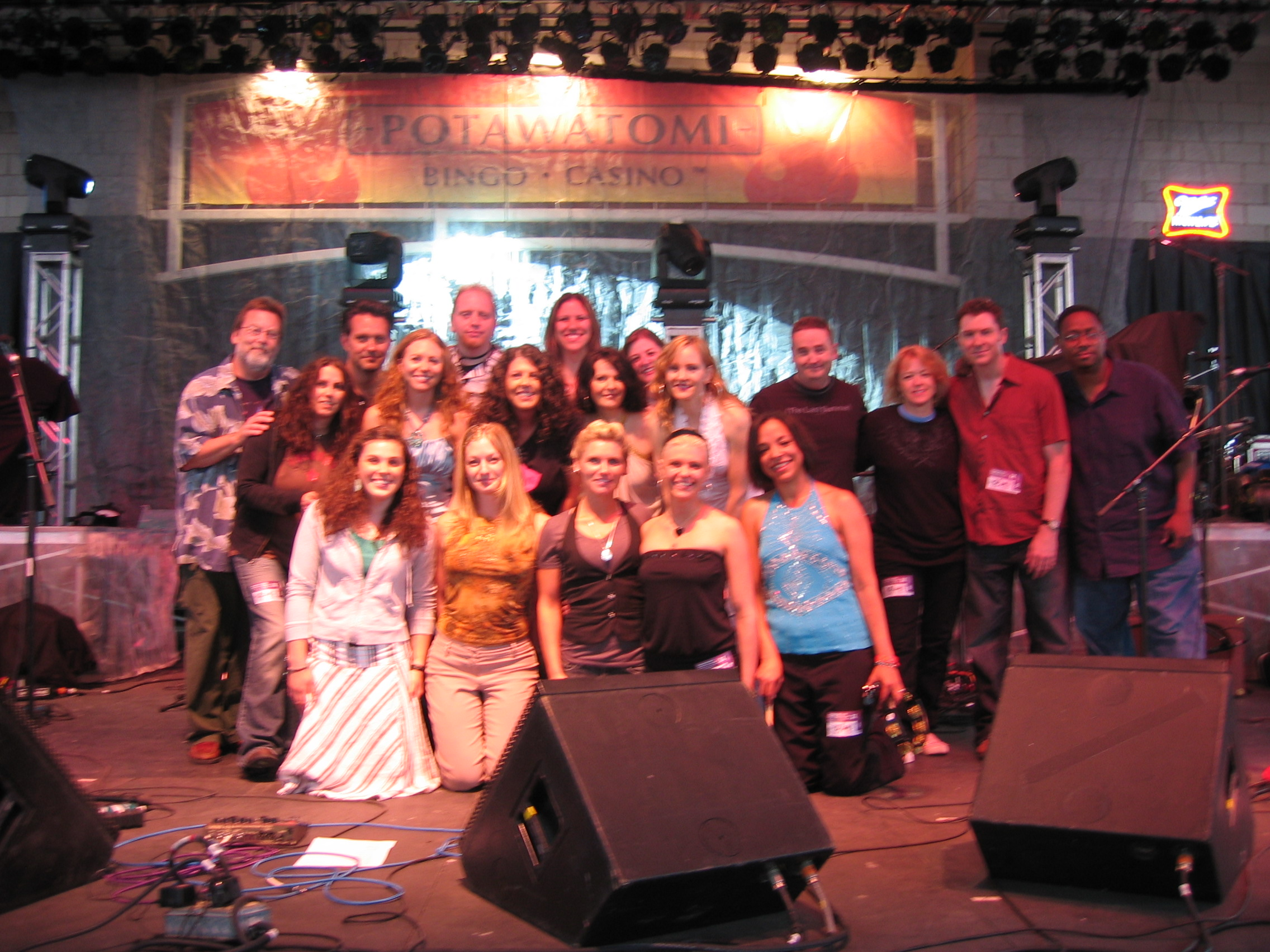 Group pic after the show! (photo: David Pruszka)