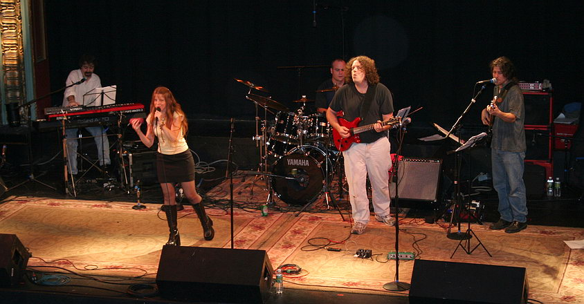 Vykki Vox and CSN Band