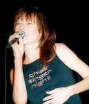 Lari White in a cool tee!