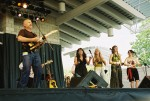 Jim Bohn w/backup chicks. Photo by: Rock A. Zimmerman: www.myspace.com/48797525